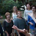 Círculos de Canto de Luna Llena en el Parque
